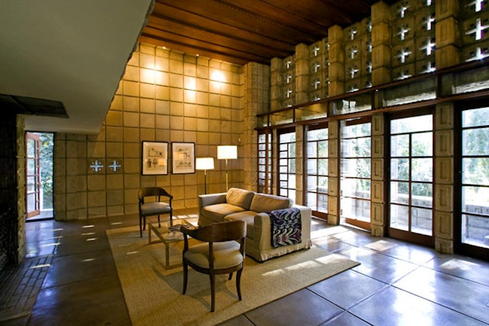 Frank Lloyd Wright's Millard House (La Miniatura)4